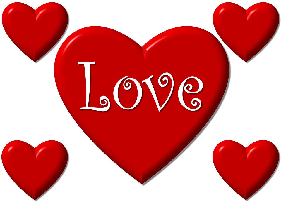 LOVEと書かれた赤いハート