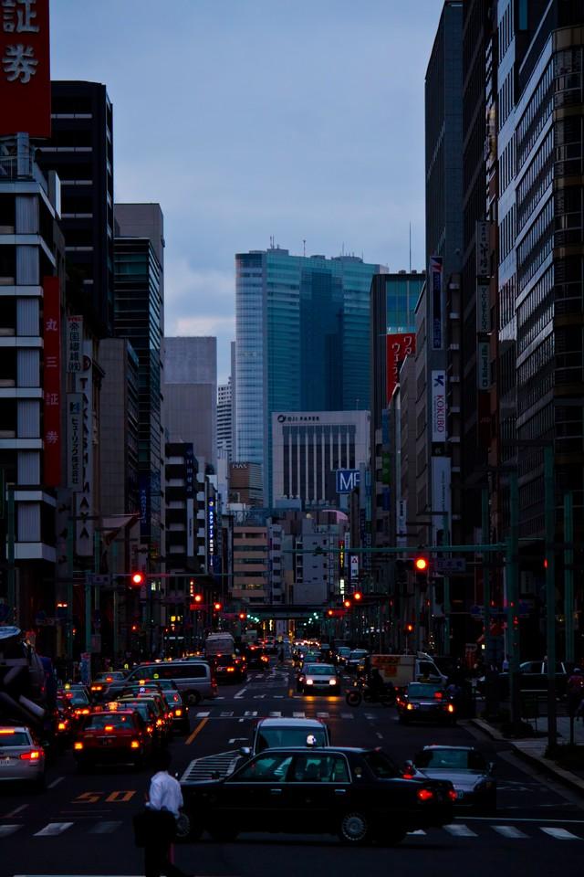 タクシーが並ぶ市街地